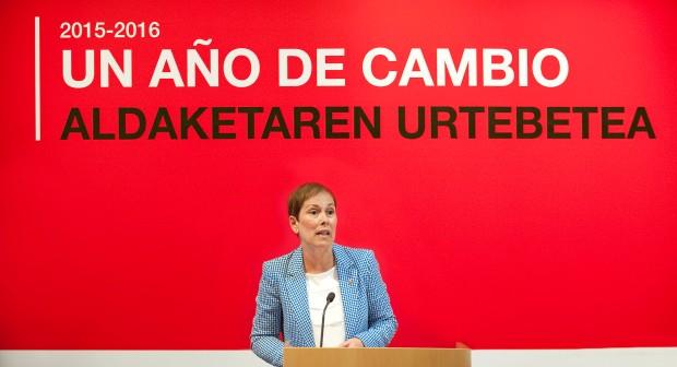Uxue Barkos, durante la citada conferencia. Fuente: www.navarra.es