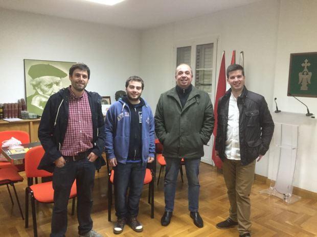 En Irujo Etxea, junto con X. Gómez de Segura y P. Ezkurra